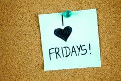 Note collante sur le concept de vendredi d'amour de Cork Board Background I Images stock