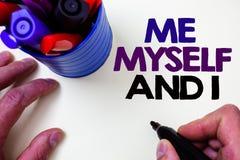 Note d'écriture me montrant moi-même et I Photo d'affaires présentant la responsabilité de prise auto-indépendante égoïste du pe  Image libre de droits