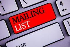 Note d'écriture montrant des photos d'affaires de liste d'adresses présentant des noms et adresse des personnes vous allez envoye photographie stock libre de droits