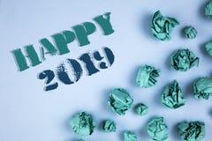Note d'écriture montrant 2019 heureux Les photos d'affaires présentant la célébration de nouvelle année encourage le message de m Photographie stock libre de droits