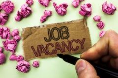 Note d'écriture montrant Job Vacancy Le travail de location de présentation de recrue d'emploi de position vide de carrière de tr photo libre de droits