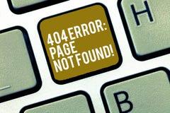 Note d'écriture montrant la page de 404 erreurs non trouvée La page Web de présentation de photo d'affaires sur le serveur a été  photographie stock