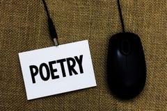 Note d'écriture montrant la poésie Photo d'affaires présentant l'expression d'ouvrage littéraire des idées de sentiments avec l'i photographie stock