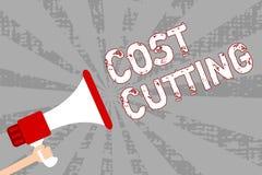 Note d'écriture montrant la réduction des coûts Mesures de présentation de photo d'affaires mises en application aux dépenses réd Illustration Stock