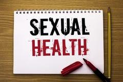 Note d'écriture montrant la santé sexuelle Photo d'affaires présentant le soin sain de sexe d'habitudes de protection d'utilisati Photo stock
