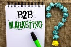 Note d'écriture montrant le marketing de B2B Photo d'affaires présentant le commerce d'entreprise à entreprise de transactions co Images libres de droits