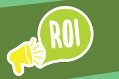 Note d'écriture montrant le ROI Mesure de représentation de présentation de photo d'affaires employée pour évaluer l'efficacité d illustration stock
