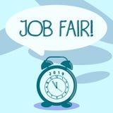 Note d'?criture montrant Job Fair ?v?nement de pr?sentation de photo d'affaires dans ? quels recruteurs d'employeurs fournissez l illustration stock