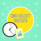 Note d'?criture montrant le contenu de haute qualit? Le site Web de pr?sentation de photo d'affaires est s'engager instructif uti illustration libre de droits