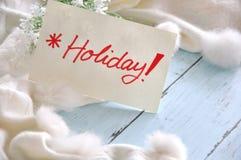 Note de vacances avec le fond pelucheux blanc d'écharpe Photo libre de droits