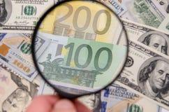 Note del dollaro e dell'euro Fotografie Stock Libere da Diritti