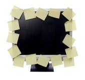 Note di carta sul video del calcolatore Immagine Stock