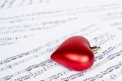 Note di musica con forma del cuore Immagini Stock Libere da Diritti
