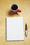 Note et cuvette de café Photo stock