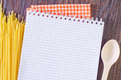 Note et pâtes Image libre de droits