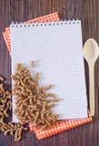 Note et pâtes Photographie stock libre de droits