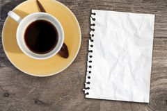 Note paper on coffee table Royalty Free Stock Photo