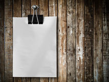 Note paper hang on wood panel Stock Images