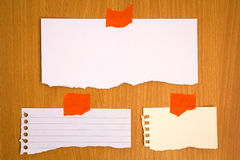 Note papers on wood Stock Photos