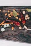 Noten, kruiden en voedsel Stock Foto's