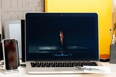 NOTEN-Stangendarstellung Macbook Pro- vergleichen Sie das Pro macbook Lizenzfreie Stockbilder