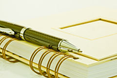 Notepad and ball pen Royalty Free Stock Photos