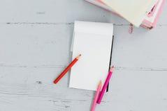 Notepad na stole Obraz Royalty Free