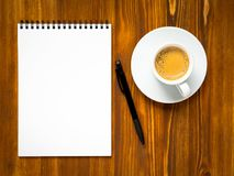 Notepad open with blank page for writing idea or to-do list Royalty Free Stock Photography