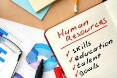Notepad z słowo działów zasobów ludzkich pojęciem obrazy stock