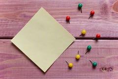 Notes, autocollants, boutons de puissance Photographie stock