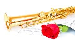 Notes musicales et saxophone Photos libres de droits
