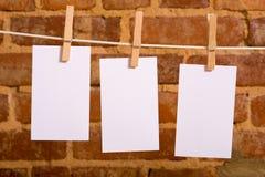 Notes sur une corde à linge Photo stock