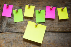 Notice board with blank notes Royalty Free Stock Images