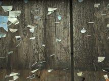 Noticeboard auf Planken Stockfoto