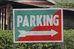 Noticeboard die op de Manier van het Parkeren wijst Royalty-vrije Stock Foto