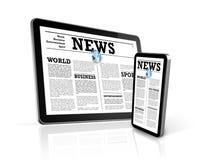Noticias en el teléfono móvil y la PC digital de la tablilla Imagenes de archivo