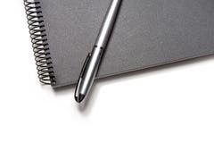 Notitieboekje & Pen Royalty-vrije Stock Afbeeldingen