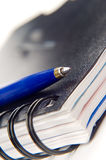 Notitieboekje en een pen Stock Afbeeldingen