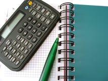 Notitieboekje met calculator Royalty-vrije Stock Fotografie