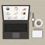 Notitieboekje met de marketing van grafiek en toebehoren op bureau stock illustratie