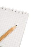 Notitieboekje met een potlood stock foto's