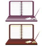Notitieboekje met geïsoleerden pen Stock Afbeeldingen