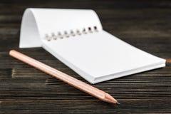 Notitieboekje met potlood Stock Afbeelding