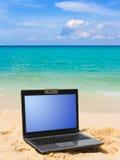 Notitieboekje op strand stock afbeeldingen