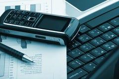 Notitieboekje, telefoon, bedrijfstechnologie Royalty-vrije Stock Foto's