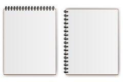 Notizbücher mit gewundenem Schatten horizontal und vertikal Stockfoto
