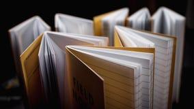 Notizbücher mit gezeichneten Seiten Stockfotos