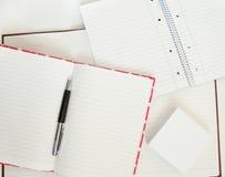 Notizbücher und Feder Stockfotos