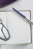 Notizblock für das Schreiben des Textes Stockfoto