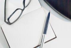 Notizblock für das Schreiben des Textes Lizenzfreie Stockbilder